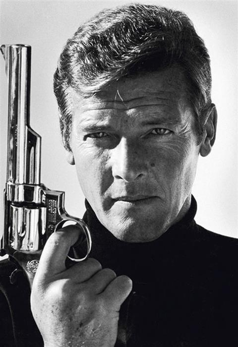 Roger Moore 007 1974