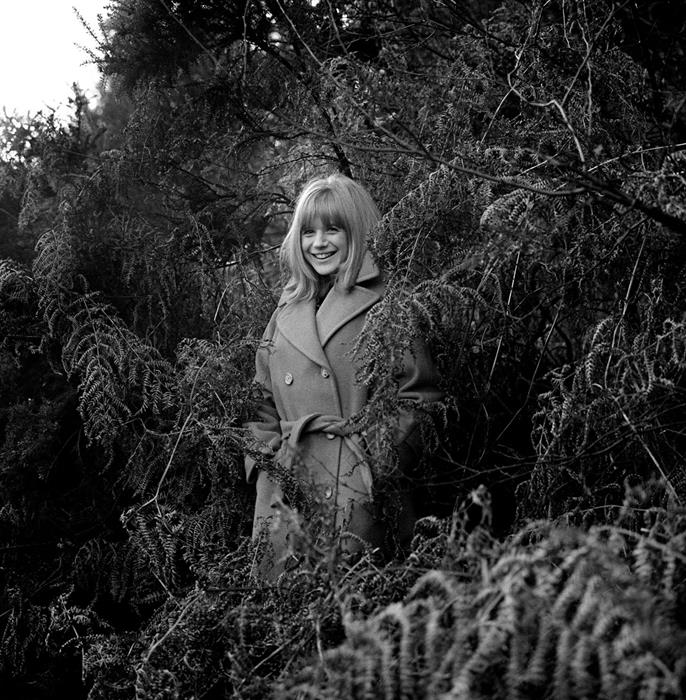 Marianne Faithfull in forest